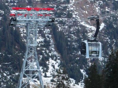 Oberlech cableway put into service (CAM)